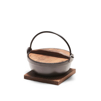Salt & Pepper Tetsu Cast Iron Pot 17cm/1L with Wooden Lid & Trivet