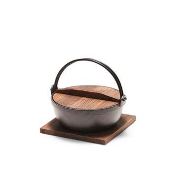 Salt & Pepper Tetsu Cast Iron Pot 22cm/1.8L with Wooden Lid & Trivet