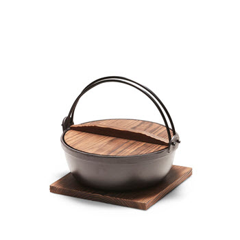 Salt & Pepper Tetsu Cast Iron Pot 25cm/3L with Wooden Lid & Trivet