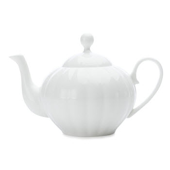 Maxwell & Williams Cashmere Charming 1.55L Teapot Gift Boxed